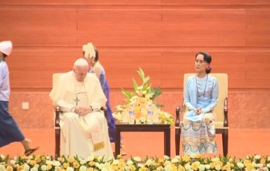 Đức Giáo Hoàng Francis tránh nhắc đến người Rohingya trong bài diễn văn