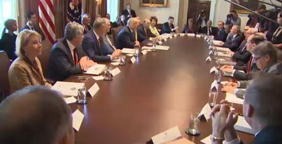 Tổng thống Trump gặp các Thượng nghị sĩ Cộng Hoà để thúc đẩy cải tổ thuế