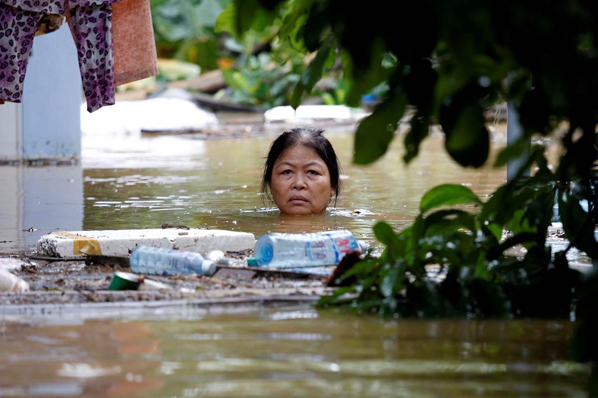 Việt Nam tuần tự xả lũ trước hội nghị APEC