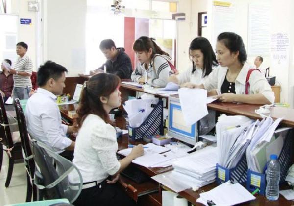Hàng triệu phụ nữ Việt Nam sắp bị giảm lương hưu 10%