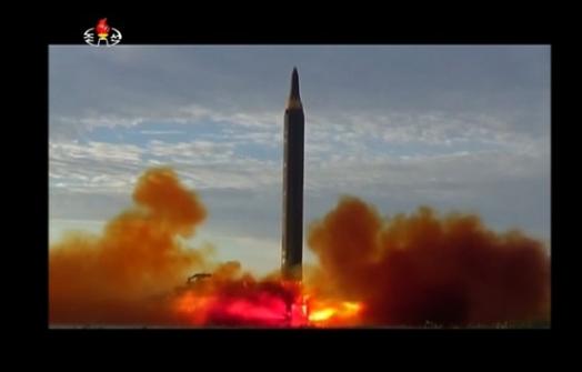 Bắc Hàn lại bắn thử hỏa tiễn liên lục địa