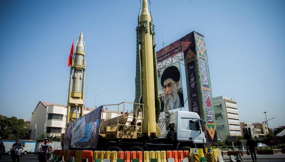 Iran tăng tầm phóng hoả tiễn lên 2000 cây số để đối phó với đe doạ từ Tây phương