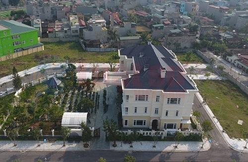 'Phủ chúa' nguy nga giữa thành phố Thanh Hóa