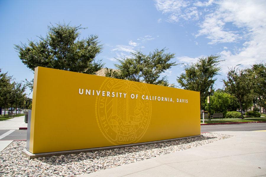 Chi nhánh của đảng cộng sản Trung Hoa ở trường UC Davis tự giải tán