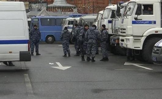 Cảnh sát Nga bắt hàng trăm người biểu tình chống chính phủ