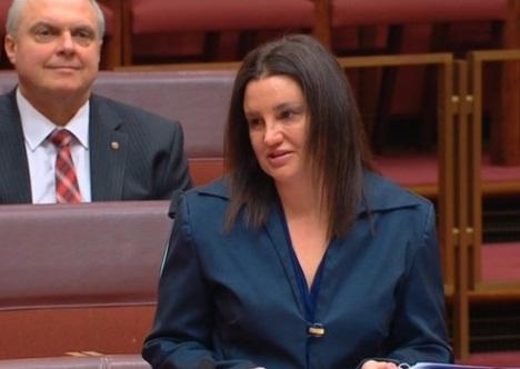 Tám nhà lập pháp Úc phải từ chức vì mang song tịch