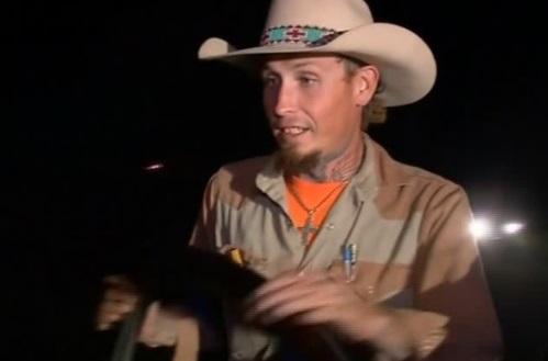 Người hùng Texas bắn và đuổi theo nghi can Devin Patrick Kelley trước khi cảnh sát tới