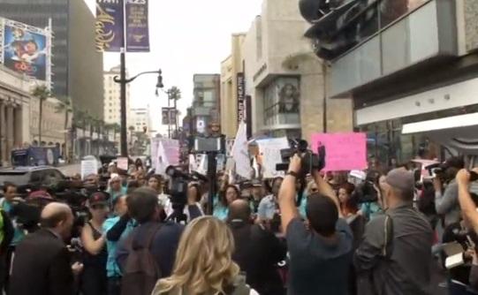 Hàng trăm người tham gia cuộc tuần hành #Me Too chống nạn lạm dụng tình dục