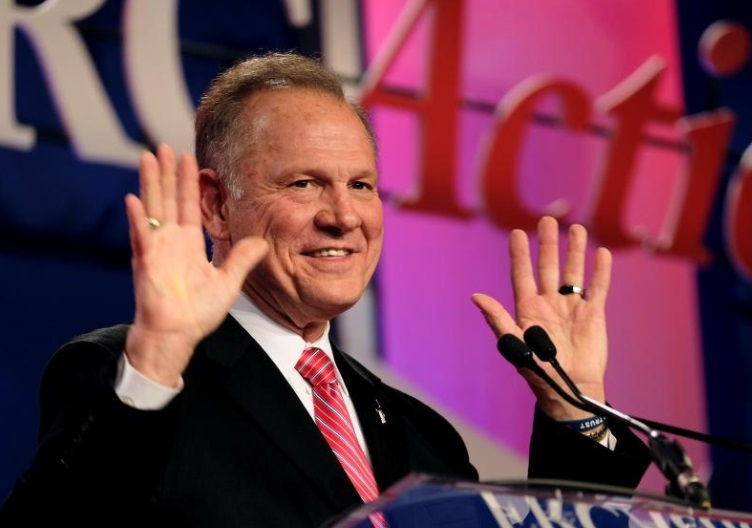 Ông Roy Moore dọa kiện báo Washington Post về các cáo buộc tình dục