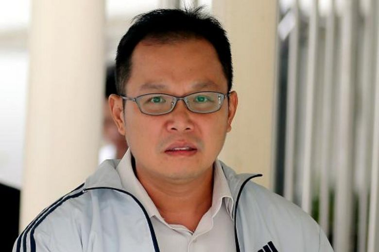 Thầy giáo Singapore bị kết án 3 năm tù giam vì trả tiền USD giả cho một người Việt Nam
