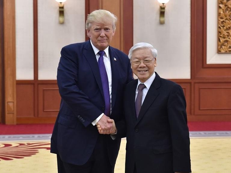 Donald Trump đổi nhân quyền lấy bạc cắc (Phạm Trần)