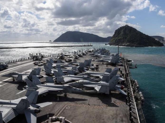 3 hàng không mẫu hạm Hoa Kỳ tập trận trong khi tổng thống Trump công du Á Châu