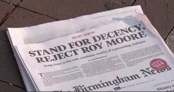 Ba báo lớn ở Alabama hối thúc cử tri 'bác bỏ' ông Roy Moore