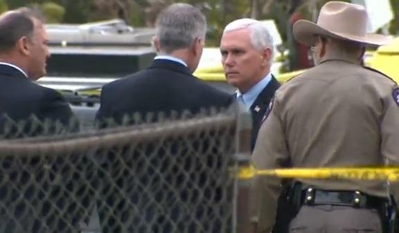 Phó tổng thống Mike Pence đến thăm hiện trường vụ nổ súng ở Texas