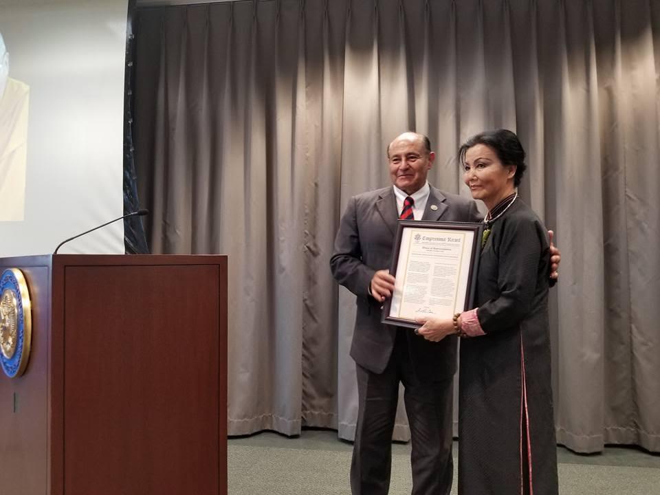 Nữ tài tử Kiều Chinh được Quốc Hội vinh danh nhân kỷ niệm 60 năm cống hiến cho ngành điện ảnh
