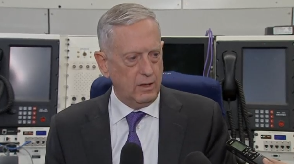 Bộ trưởng Bộ Quốc Phòng Hoa Kỳ Jim Mattis không ủng hộ việc trang bị vũ khí cho chiến binh người Kurd