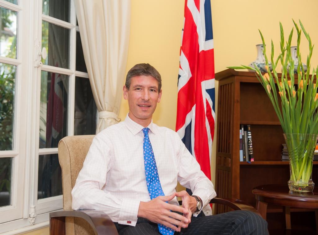 Đại sứ Anh tại Việt Nam Giles Lever kêu gọi thả blogger Mẹ Nấm