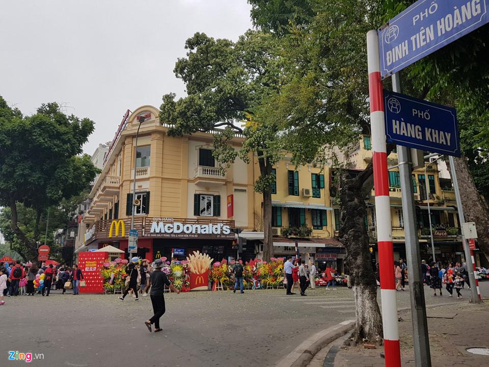 McDonald's khai trương cửa hàng đầu tiên ở Hà Nội