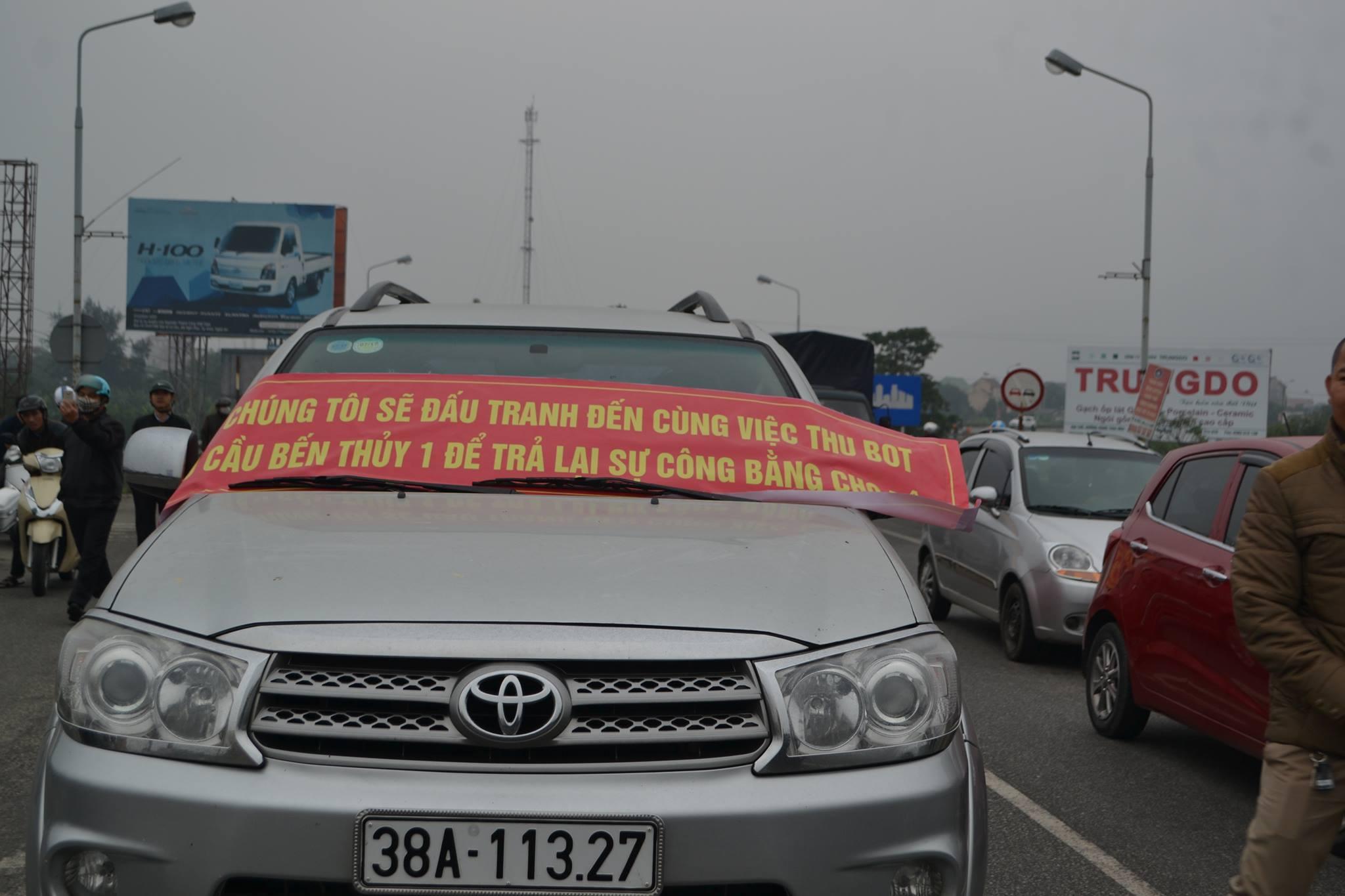 Người dân Nghệ An lại biểu tình chống trạm thu phí cầu Bến Thủy