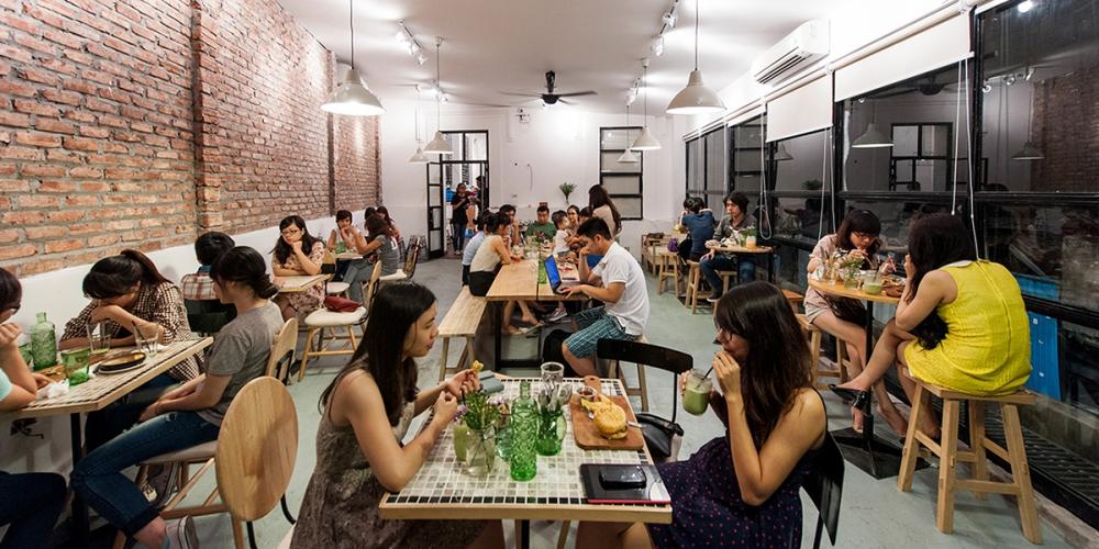 Thế hệ Z của Việt Nam chi nhiều tiền ăn hàng bất kể thu nhập