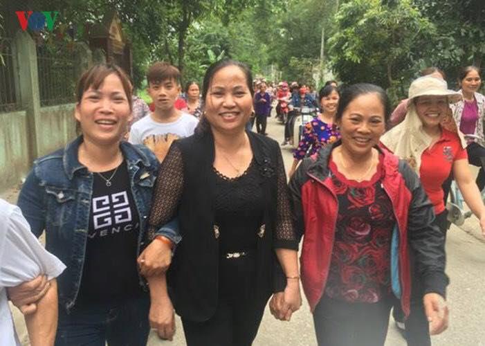 Nữ chủ tịch HĐND xã Đồng Tâm 'cám ơn nhân dân cả nước' sau khi bị khai trừ đảng