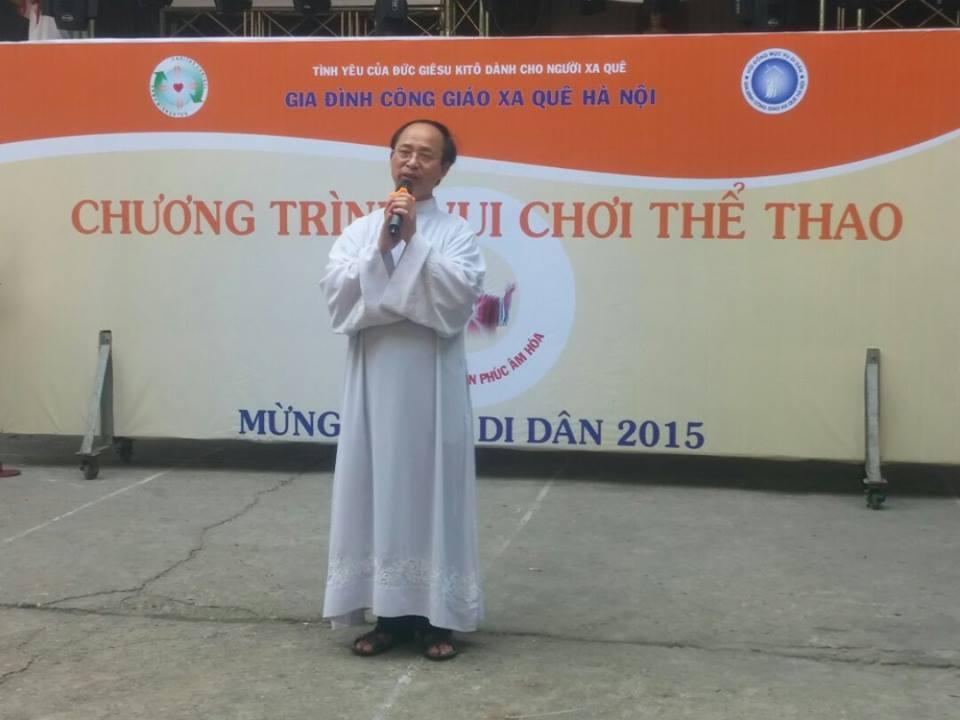 Một Linh mục Dòng Chúa Cứu Thế Hà Nội bị cấm xuất cảnh