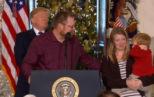Tổng thống Trump khen ngợi dự luật thuế vừa sửa đổi