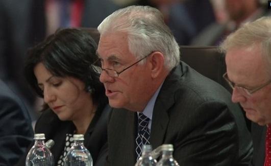 Rex Tillerson nhấn mạnh Nga sẽ bị trừng phạt tới khi nào rút khỏi Ukraine