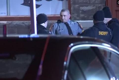 Nổ súng ở Pennsylvania, nghi can bị bắn chết