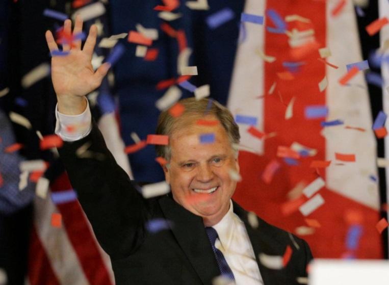 Alabama chính thức xác nhận Doug Jones thắng cử chức vụ thượng nghị sĩ