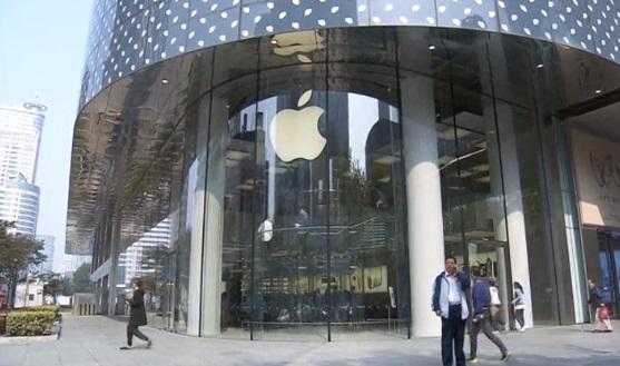 Apple nhìn nhận làm chậm iPhone có pin cũ