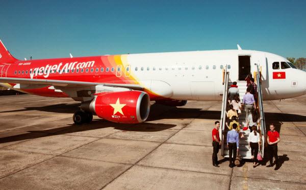 Tiếp vụ mất cắp trên máy bay Vietjet: công an đến tận trường nạn nhân quấy rầy