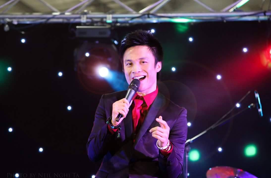 Ca sĩ Huỳnh Phi Tiễn