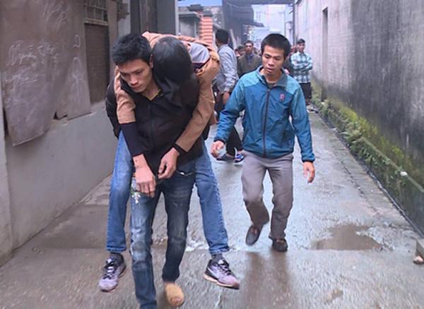 Nổ kho phế liệu ở Bắc Ninh làm 2 người chết, nhiều nhà bị sập