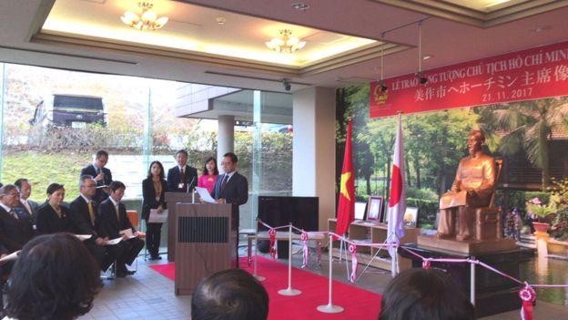 Liên Mạng Người Việt Tự Do gửi kháng thư yêu cầu dỡ bỏ tượng Hồ Chí Minh ở Nhật