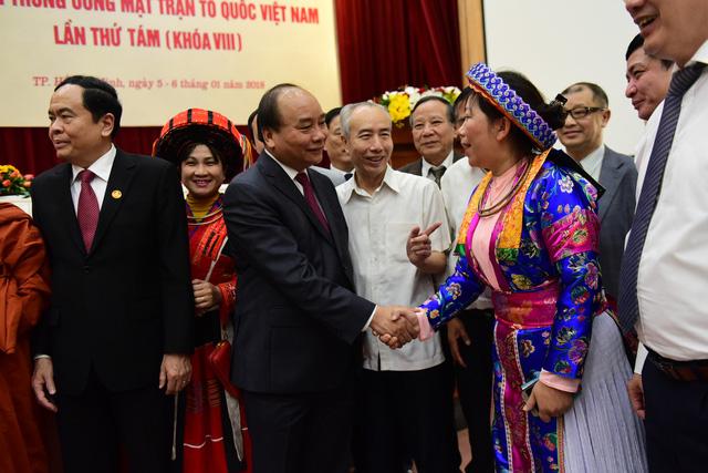 Nguyễn Xuân Phúc muốn mặt trận tổ quốc đóng vai trò phản biện mạnh hơn