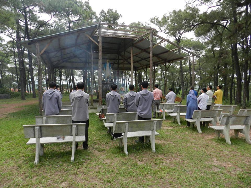 Hội Đồng Liên Tôn và nhóm Linh Mục Nguyễn Kim Điền hiệp thông cùng Đan Viện Thiên An