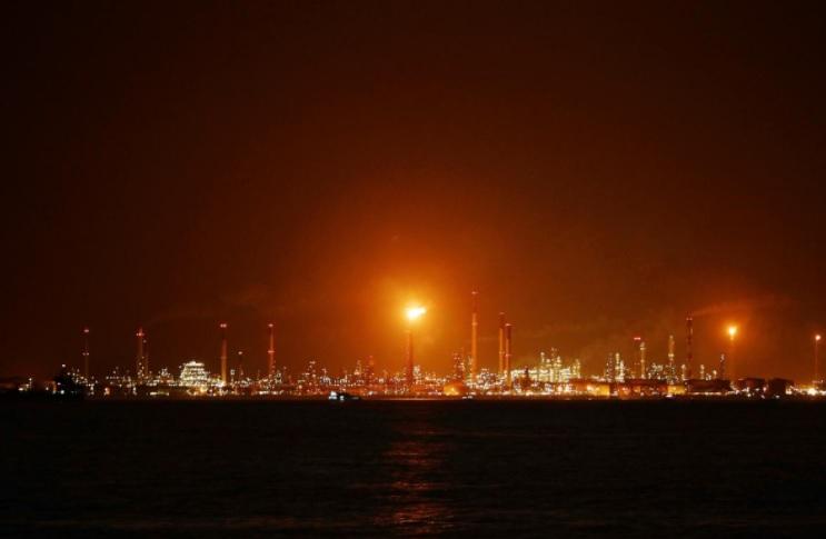 Singapore nêu tên và buộc thêm tội đối với một người Việt trong vụ trộm dầu