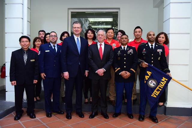 Bộ Trưởng Quốc Phòng Hoa Kỳ Mattis đến Hà Nội