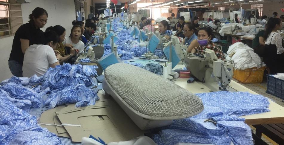 Không được trả lương trước tết, hàng trăm công nhân Gò Vấp đình công