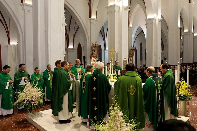 Phái đoàn ngoại giao của tòa thánh Vatican tới Hà Nội