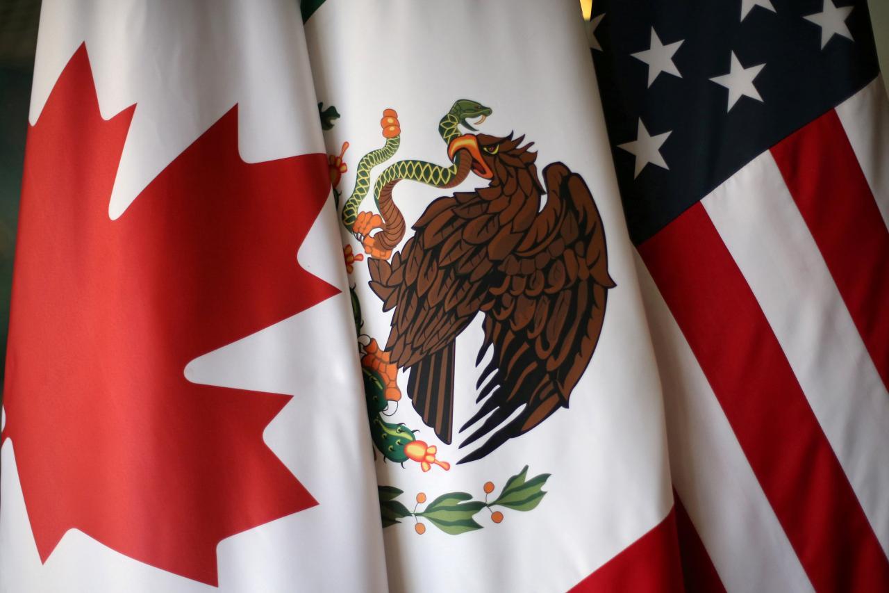 Trump có thể sẽ rút khỏi NAFTA, giá chứng khoán giảm mạnh