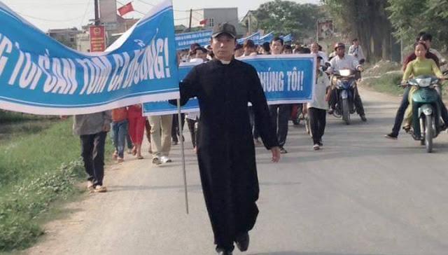 Công an Nghệ An triệu tập linh mục Nguyễn Đình Thục về vụ án Hoàng Bình
