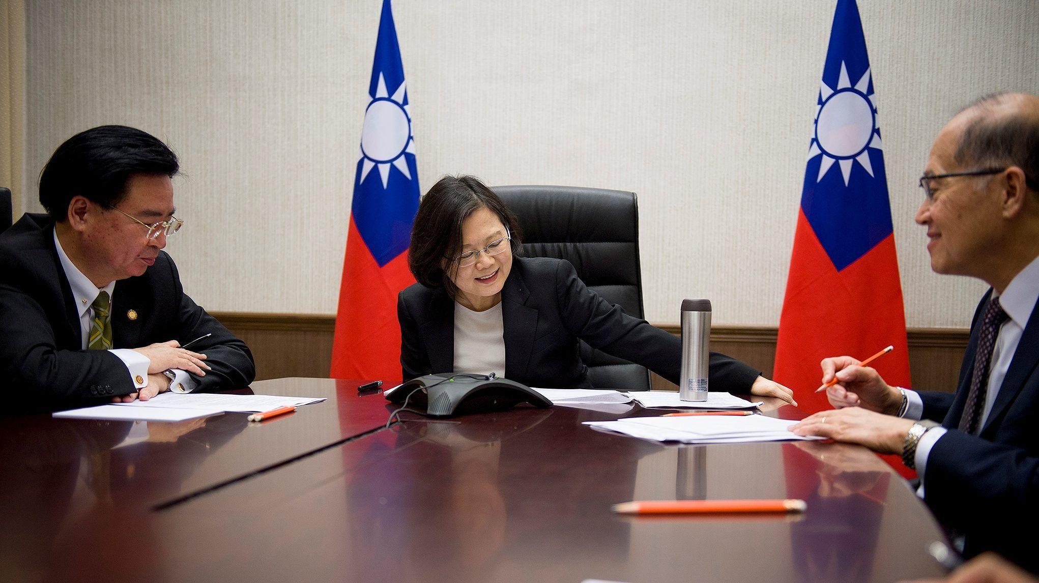 Hoa Kỳ có thể lại dùng lá bài Đài Loan gây áp lực với Trung Cộng