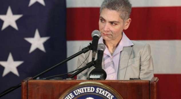 Bộ Ngoại Giao Hoa Kỳ cử phó phụ tá về chính trị và quân sự tới Việt Nam