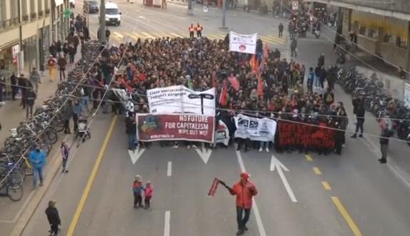 Biểu tình rầm rộ phản đối tổng thống Trump ở Thụy Sĩ