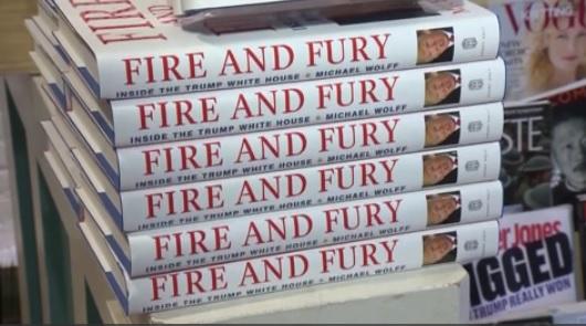 """Cuốn sách """"Fire And Fury"""" đứng đầu danh sách bán chạy nhất"""