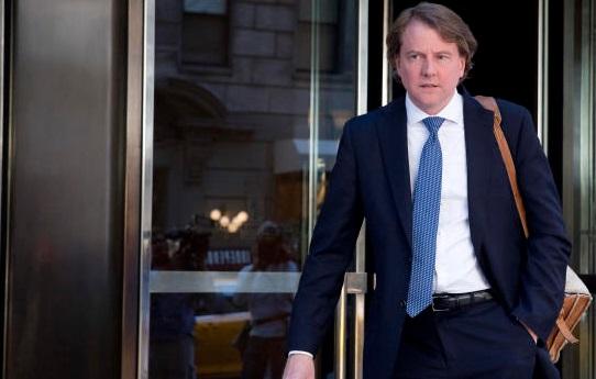 Luật sư Tòa Bạch Ốc Don Mcgahn từng đe dọa từ chức vào tháng 6/2017