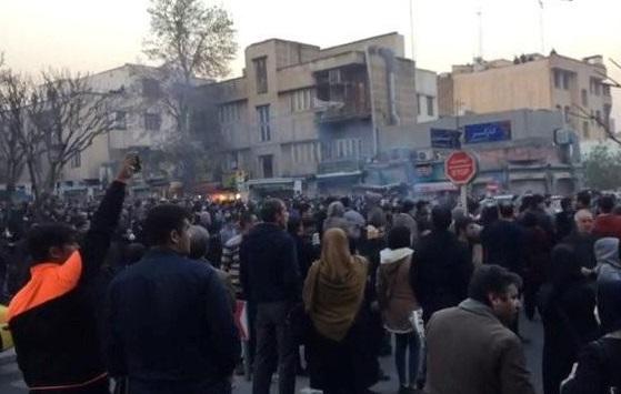13 người chết trong các cuộc biểu tình ở Iran