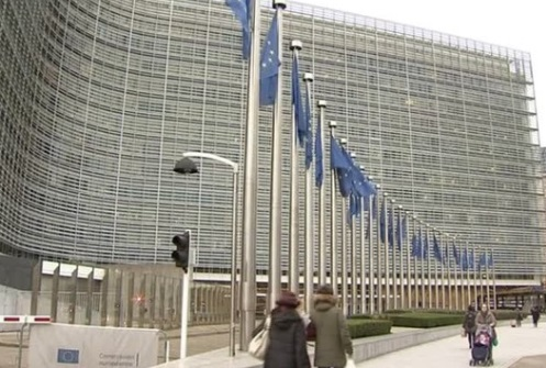 Tổng Thống Trump đe dọa trả đũa chính sách thương mại của Liên Âu